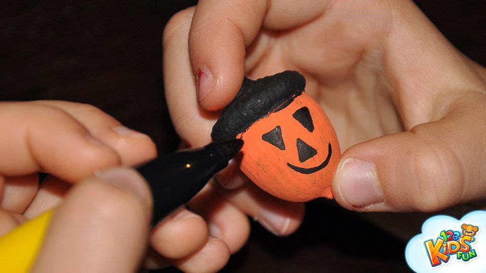 halloween diy acorn