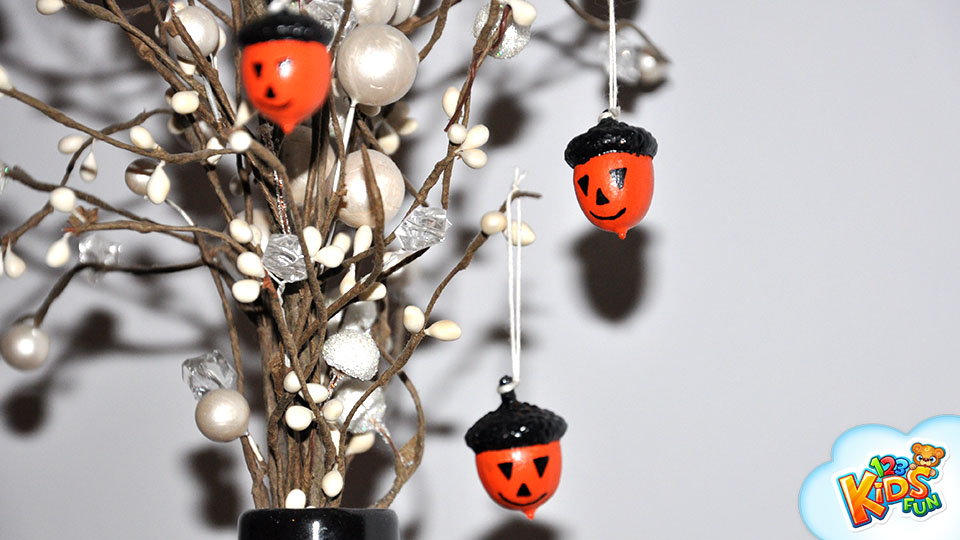 halloween decor acorns