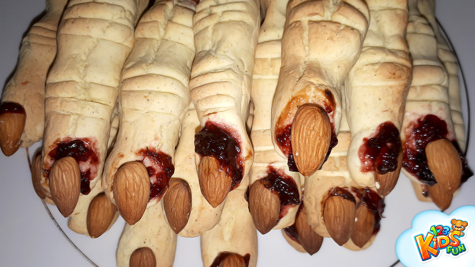 creepy witch finger cookies recipe